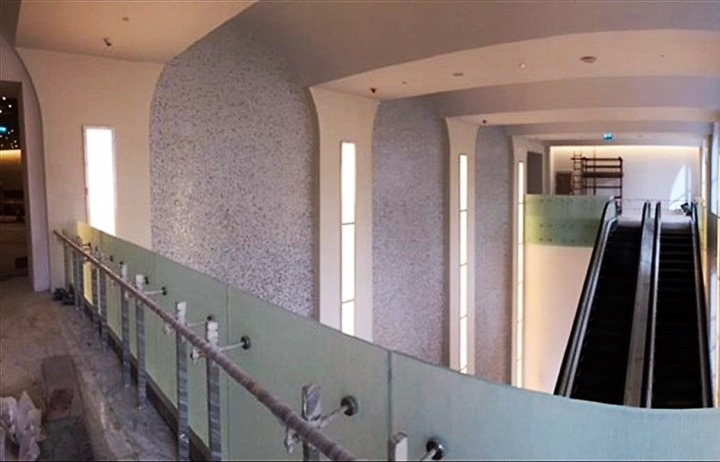 Hilton Convention Hotel used our glass railing systems.