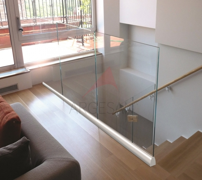 S40 On Floor Glass Supporting System